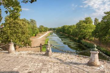 Fotobehang Kanaal Ancien canal de Briare, Loiret, pays de Loire, France