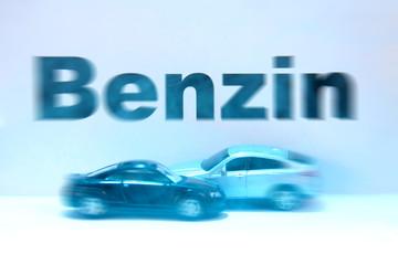 Benzin Autos