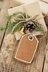 Weihnachtsgebäck mit Dekoration