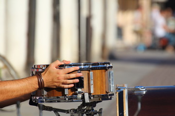 Music in the street, artists and musicians united in the love of the show