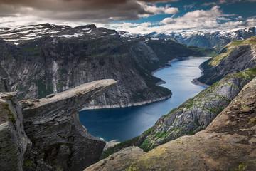 Tuinposter Scandinavië Felsvorsprung Trolltunga