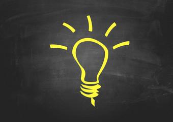 Tafel Hintergrund mit Glühbirne Symbol