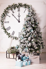 Christmas clock and fir tree