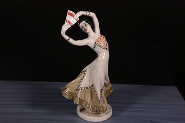 """""""Танцующая девочка"""""""
