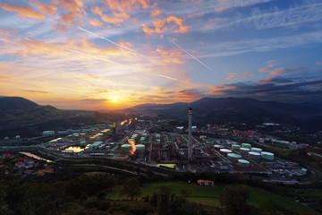 Spoed Foto op Canvas Industrial geb. industrial refinery at sunrise