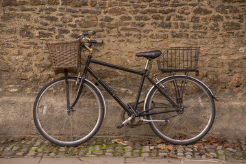 Old bicycle near Merton College