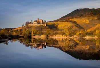 Schloss Ortenberg im Herbst
