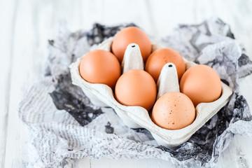 Eierkarton mit 6 Bio-Eiern