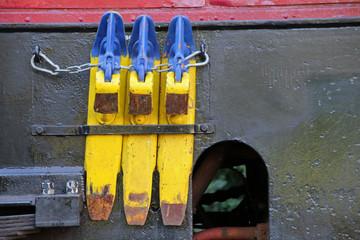 Wall Mural - Bremsschuhe an einer alten Dampflokomotive