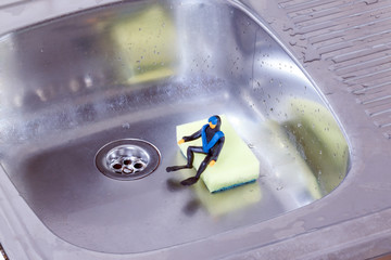 small diver sitting in the kitchen sink