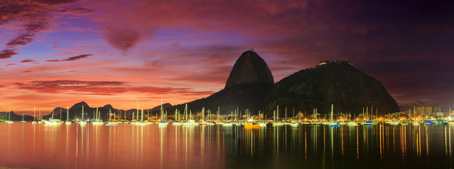 Wall Mural - Sunrise view of Copacabana and mountain Sugar Loaf