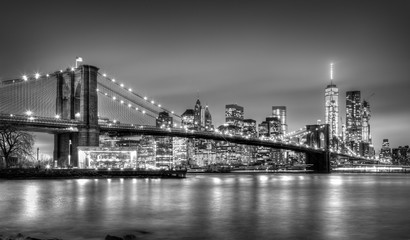 Foto auf AluDibond Brooklyn Bridge Brooklyn bridge at dusk, New York City.