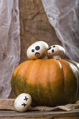 Halloween pumpkin with ghost champignons