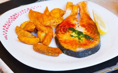 salmon  with potatoes