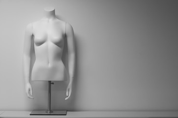 White female mannequin torso