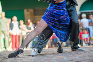 Printed kitchen splashbacks Buenos Aires Couple dancing tango in the street