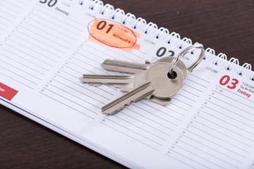 House keys on calendar