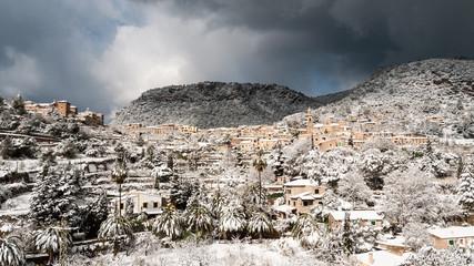 Blick auf Valldemossa im Winter