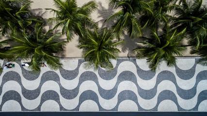 Photo sur Plexiglas Rio de Janeiro Top View of Copacabana beach with mosaic of sidewalk in Rio de Janeiro. Brazil