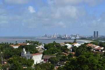 Olinda com o mar de Recife ao fundo