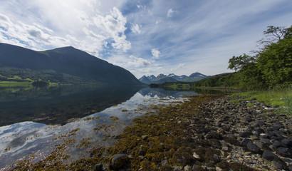 Spiegelungen im Fjord