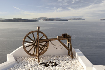 Spinning wheel in Oia