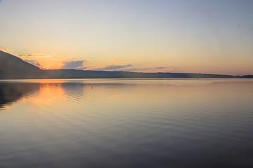 Prime luci,alba al lago di Vico