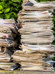 Stapel Altpapier. Alte Zeitungen