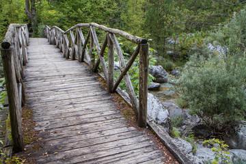 Holzbrücken auf dem europäischen Fernwanderweg E4 durchs Olympgebirge
