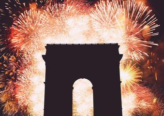 Fogos de artifício no arco do triunfo