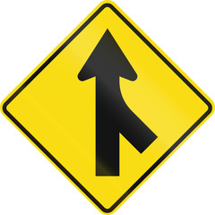 New Zealand road sign PW-4: Merging traffic from right.