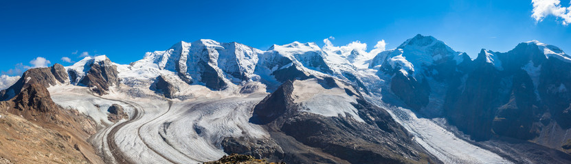 Stores à enrouleur Glaciers Panorama view of Bernina massive and Morteratsch glacier