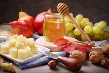 Cheese, honey and fruit