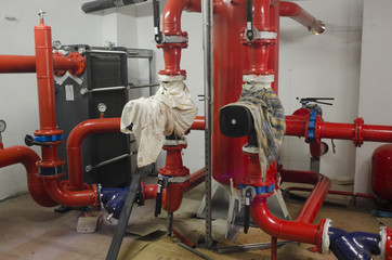 Assembly of valves and pipes