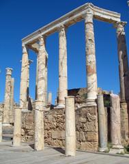Libye, portique du théâtre antique de Leptis Magna