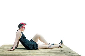 jeune femme rousse isolé sur fond blanc