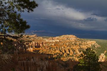 Gewitterwolken über Bryce Canyon
