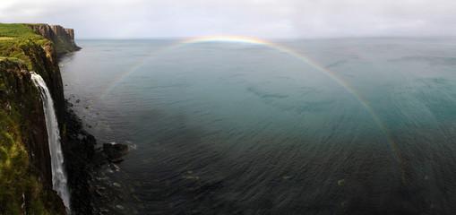Regenbogen über Kilt Rock
