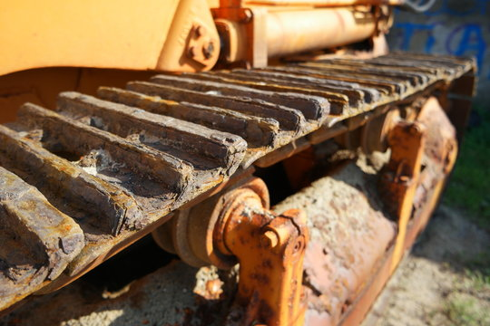 rusty tracktor