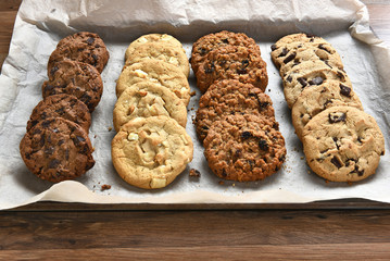 Photo sur Plexiglas Biscuit Tray of Fresh Baked Cookies