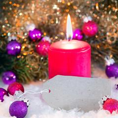 Weihnachtskärtchen, blanko, mit Kerze und Christbaumkugeln, erster Advent