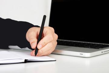 Hand und Stift