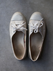 Old white woman sneaker