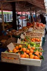 Gemüse and obstmarkt.