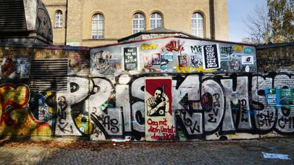 Graffiti m Bethanien