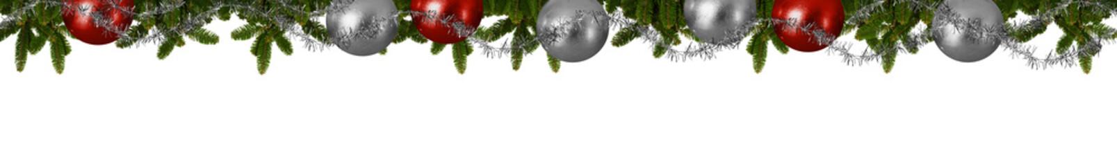 Weihnachtliches Panorama - Tannenzweige mit Christbaumkugeln