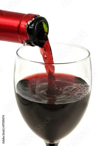 verser un verre de vin rouge photo libre de droits sur. Black Bedroom Furniture Sets. Home Design Ideas