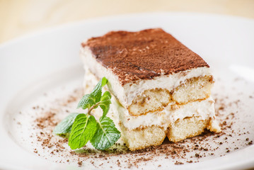 Photo sur Plexiglas Dessert tiramisu cake