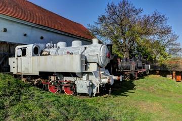 white engine