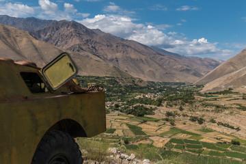 russischer panzer pandschschir tal - afghanistan